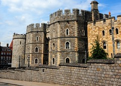 Windsor Castle, King Henry VIII Gate. (gillybooze) Tags: sky castle weather architecture clouds day cloudy vista windsor ©allrightsreserved