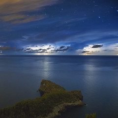 Sa Foradada luminada por la tormenta II (FlickrdeChato) Tags: longexposure storm night stars noche estrellas tormenta nocturna mallorca largaexposicin saforadada naforadada