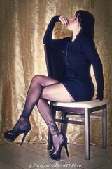 (Pittografo ZELANTE Piero) Tags: glamour pantyhose calze sexy portrait woman sensual heels over30 over40