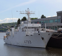 Laplace (A793) (Jacques Trempe 2,480K hits - Merci-Thanks) Tags: france french ship quebec louise naval bassin navire laplace