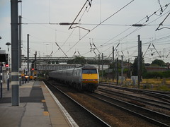 91102 (Boothby97) Tags: electric br eastcoast doncaster eastcoastmainline ecml cityofyork electriclocomotive class91 91102 doncasterrailwaystation 25kvac mark4set 25kvacelectric
