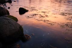 an der Küste (Manuel Eumann) Tags: longexposure light sunset sun color water abend licht wasser sonnenuntergang dämmerung ostsee schleswigholstein farben flensburg langzeitbelichtung manueleumann fujixt1