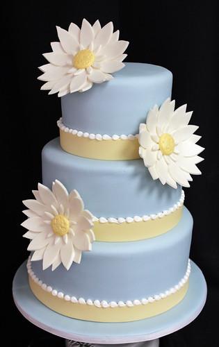 Blue and White Daisy Wedding Cake