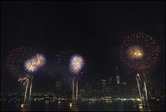 CI0A1135 PORTRA (Damien DEROUENE) Tags: nyc newyork skyline night fireworks eastriver 4thofjuly damienderouene