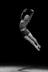 (Sonia Montes) Tags: blackandwhite bw ballet black blancoynegro luz danza salto byw