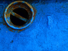 Blue (Kevin Schulz) Tags: wallpaper orange blau rgb rost schiff graublau wunder estetik dunkelblau azurblau lilablassblau grundfarben mittelblau komplementrfarbe farbmischung violettblau additiven subtraktiven webbrowsern rgbfarbraum