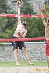 Beach volleyball in Montreal. (Danny VB) Tags: canada beach canon plongeon athletic sand quebec action montreal dive playa beachvolleyball 7d spike volleyball athlete dannyboy dig plage volley 135mm volei voleibol 135mmf2l 135mmf2 ef135mmf2l ef135mmf2lusm canoneos7d volleyballdeplage canon7d sportdquipe dannyvb volleyballdig thedivingdig plongeondevolleyball plongeondevolleyballdeplage teamworksport