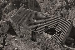 Ruta del Cares (.Robert. Photography) Tags: byn robert ruta cares asturias bn poncebos abandonado cobertizo cobert