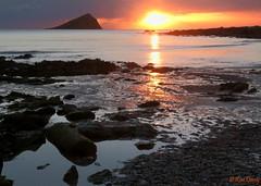 Turning Tide. A view from Wembury beach, Devon. UK. (ronalddavey80) Tags: sunset wembury beach dusk sun sea rocks devon landscape seascape canon eos70d