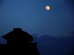 luna piena nel cielo di Siena (Fred Matos) Tags: siena lua luar silhueta noite noturna fredmatos outdoor travel tranquility