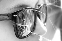 Reflejos (jmartinezfotos) Tags: blancoynegro chica girl blackandwhite sunglasses gafasdesol reflejo reflextion black white