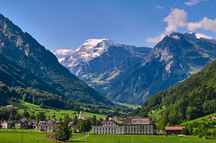 Rüti Glaris (Meinrad Périsset) Tags: rüti cantondeglaris switzerland suisse schweiz swizzera paysages landscape alpessuisses swissmountains nikon nikond200 d200 captureone10