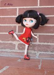 Amelie con sus botas nuevas.