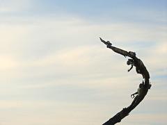 Los Milenios, Puerto Vallarta (Metufer) Tags: ocean sunset beach skyline sunrise mexico atardecer jalisco playa amanecer beaches puertovallarta cloudporn pacifico playas mexicanbeach elcaballito skyporn mexicanbeaches pacificomexicano marinapuertovallarta