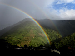 DSC01069 (go.gambarrotti91) Tags: landscape ecuador rainbow doublerainbow greenmountains baños chimborazo naturallandscape doblearcoiris paisajenatural montañasverdes sonydscwx300 gonzalogambarrotti totalmentenublado completelycloudy