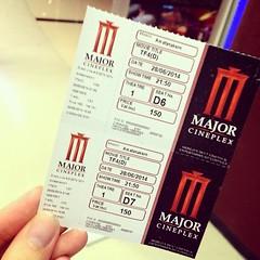 ตั้งใจดูรอบ 20.50 ได้ตั๋ว 21.50 ปวดใจจริงๆ ... แต่ผมว่าหนังสนุกดีครับ ^_*