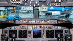 "Cockpit from a 737-800 • <a style=""font-size:0.8em;"" href=""http://www.flickr.com/photos/125767964@N08/14714631069/"" target=""_blank"">View on Flickr</a>"