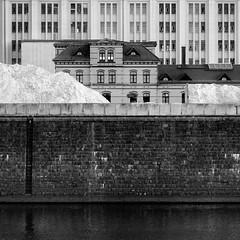 Dresden Hafen (tonzn) Tags: blackandwhite deutschland dresden sachsen stadt architektur schwarzweiss hafen monocrome silverefex