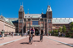 "Museumplein - Rijksmuseum • <a style=""font-size:0.8em;"" href=""http://www.flickr.com/photos/92529237@N02/14863987574/"" target=""_blank"">View on Flickr</a>"
