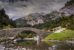 Bujaruelo (ลℓэנลи∂я๏ ลℓ๏иร๏) Tags: bridge huesca pyrenees pirineos bujaruelo torla alexcel85