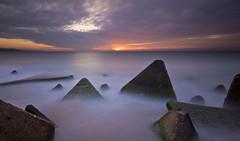 piramide 4 (pablobartrina) Tags: barcelona sea water mar rocks long pyramid exposition pirámide largaexposición