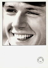 Lambert Wilson (Truus, Bob & Jan too!) Tags: cinema film vintage movie star la kino european  postcard picture cine screen humour movies actor wilson postal lambert postale cartolina carte postkarte acteur filmstar ansichtkaart filmster postkaart briefkaart tarjet lambertwilson humourlacarte