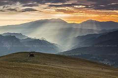 Rays of light (03814) (Danilo Antonini (Pescarese)) Tags: park autumn italy panorama sun mountain tourism n