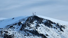 Alto de las Guarramillas (Alejandro Hernández Valbuena) Tags: white mountain guadarrama scenic snow outdoor guarramillas summit bola winter europe ski travel spain active blue recreation adventure destinations mundo excursion nature navacerrada peak madrid