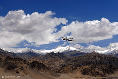 12-06-27 India-Ladakh (134) Leh R01 (Nikobo3) Tags: asia india ladakd jammu kashmir kachemira karakorum himalayas leh aeropuerto nikon nikon247028 nikobo joségarcíacobo flickrtravelaward ngc paisajes nikond200 d200