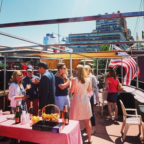 #Fireboat #engagement on #Hudson . #cocktails and #sunshine
