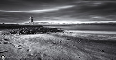 Herd Groyne Lighthouse, South Shields VI (Silent Eagle  Photography) Tags: bw lighthouse seascape clouds canon silver photography mar big shadows silent eagle south playa filter ii lee deaf sep usm tyneside groyne herd shields sunderland stopper xi constrast f28l ef1635mm bigstopper s