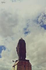 Virgen de la Catedral (Jofran C.) Tags: monument americalatina southamerica vertical landscape photography ecuador monumento picture escultura virgen cuenca catedrales ecuadorian azuay ecuadoramalavida allyouneedisecuador jofranjc