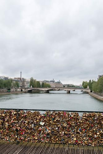 Vue sur le Pont du Carrousel