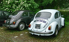Classic couple / 147 (ClassicsOnTheStreet) Tags: classic vw bug volkswagen 1971 couple duo beetle cox 70s pairs oldtimer streetphoto spotted 1970 1970s veteran streetview haarzuilens käfer emmaus coccinelle 1300 kever fusca aircooled 2014 klassieker maggiolino bubbla gespot bogár luchtgekoeld straatfoto carspot tweetal 113021 cwodlp 9270rl classiccouple keveruitje 8395nn keveruitjenl