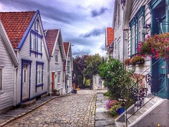 Stavanger streets,Norway (chasquito el roncoso) Tags: flickr colores estrellas excellent willyllus instagram stavangernorwaysummertripholidayshdriphone4sfranciscollusaphotography2015aroundtheworldwillyfox