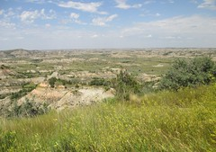 Painted Canyon (Theodore Roosevelt National Park, North Dakota) (courthouselover) Tags: landscapes northdakota nd nationalparks theodorerooseveltnationalpark billingscounty nationalparksystem