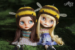 Leyre & Alice, playing they are bees ^^