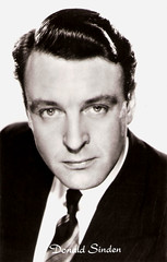 I.M. Donald Sinden (19232014) (Truus, Bob & Jan too!) Tags: cinema english film television radio vintage movie star tv kino eagle theatre stage postcard lion picture cine screen donald movies actor british postal postale cartolina carte postkarte acteur ansichtskarte ansichtkaart filmster kores sinden postkaart briefkaart tarjet donaldsinden eaglelion briefkarte carboplane