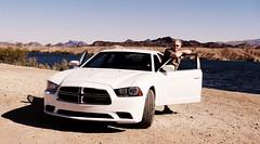 Dodge Charger Septième Génération et son très modeste chauffeur en sandales :-) (Phoebus58) Tags: arizona lake car colorado lac voiture dodge lakehavasu