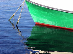 Green boat (flips99) Tags: blue red sea white reflection green water norway boat harbour rope september tau rd havn bt vann bl sj grnn 2014 moored karmy hvit speiling parital canonpowershotg15
