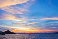 magic at kennedy town (dingcarrie) Tags: ocean sunset sea sky sunlight seascape skyscape hongkong evening pier afternoon sundown outdoor dusk     cloudscape  lateafternoon  kennedytown beautifulsunset    hongkongflickr  flickrhongkong  westerndistrict