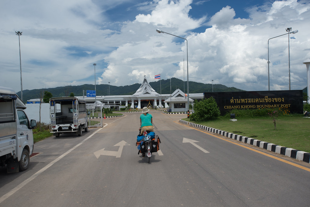 Border crossing to Laos