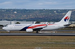 9M-MXR  Malaysia Airlines Boeing B737-8H6 (johnedmond) Tags: perth ypph australia boeing b737 737 aviation aircraft malaysia aeroplane sel55210 55210mm ilce3500