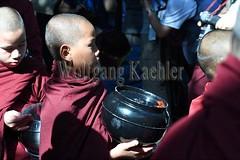 30099734 (wolfgangkaehler) Tags: 2017 asia asian southeastasia myanmar burma burmese mandalay mahagandayonmonastery mahagandayonmonastary people person monks buddhist buddhistmonasteries buddhistmonastery buddhistmonk buddhistmonks almsceremony almsbowls meal