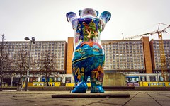 Hallo Berlin (Lutz Hahn) Tags: berlin buddybär citi ost alex