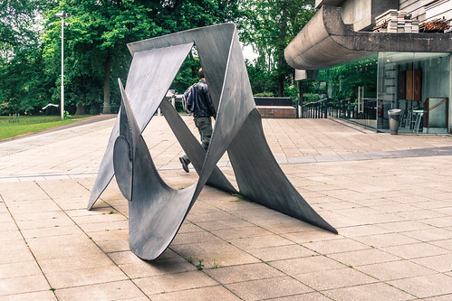 PUBLIC ART IN BELFAST CITY - SCULPTURE OUTSIDE THE ULSTER MUSEUM