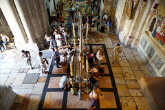 Church of the Holy Sepulchre,Jerusalem (ott1004) Tags: market jerusalem jaffa bethlehem viadolorosa churchoftheholysepulchre kipa 이스라엘 towerofdavid jerusalemcityhall 예루살렘 damascusgatemarket 성묘교회 다윗성 gate다마스커스 비아돌로로사 오쏘독소유대인 키파 shachemgate 다메섹문 하시디 다마스커스게이트 예수님의무덤교회