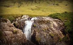Scotland nature (Kybenfocando) Tags: travel naturaleza verde nature scotland europe paisaje escocia aberdeen voyager roca inverness viajar cascada