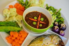 เมนูชุดน้ำพริกกะปิปลาทูุทอด อร่อยๆในราคาประหยัด Baan Ton Kai Restaurant