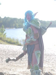 Shooting Huntress - World of Warcraft - 2014-08-07- P1900579 (styeb) Tags: shooting shoot hostens 2014 aout 07 lac water landes huntress world warcraft wow blizzard cosplay